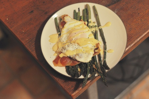 eggs benedict and roasted asparagus